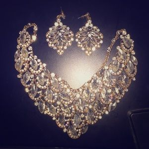Jewelry - Gold and silver necklace and earring set!!!!!!!!